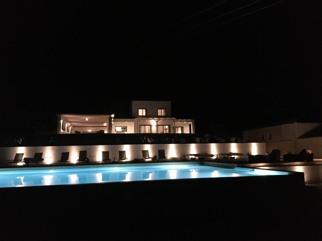 Kefi Spitia Guest House Night view